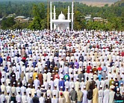 Eid-ul-Fitr : occasion for showing gratitude to God :: Article