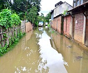 Artificial floods after few hours of rains in Imphal :: Gallery