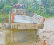 Litan Thong (Chindongpok) connecting Heirok Part II & III  washed away due to heavy rain :: Gallery