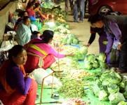 Shopping for 'Sajibu Nongma Panba Cheiraoba' at Ima Keithel #1 :: Gallery