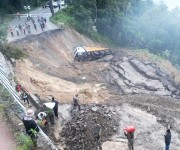 National Highway 2  cut off due to heavy rains at Khongnem Thana, Senapati :: Gallery