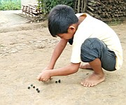 Thri Kappi (Marbol Sannaba) : game played by children using marbles at Andro #1 :: Gallery